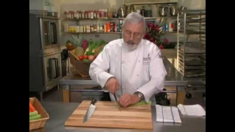 Cutting Techniques - Knife Skills with Norman Weinstein (2 of 9)