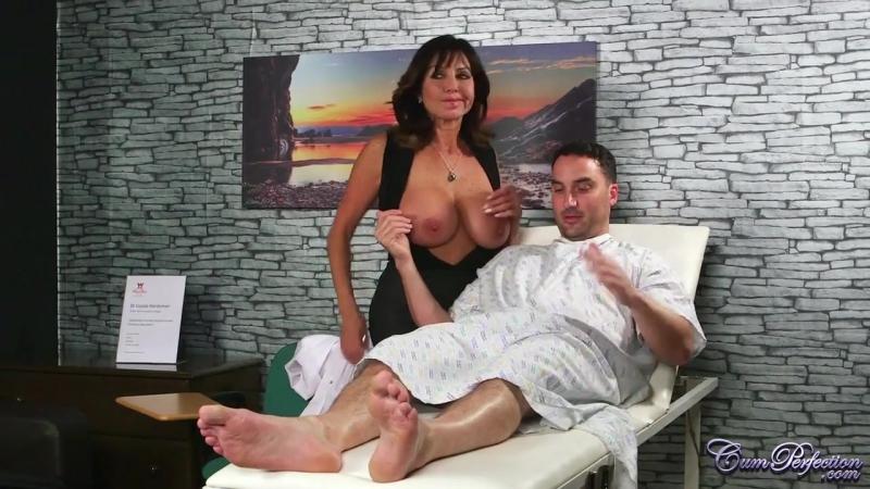 Порно, Зрелая докторша вылечила больного, mature, milf, doctor, cum shot,