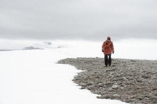 Скорость ветра в некоторых местах Антарктиды может достигать 320 км/ч