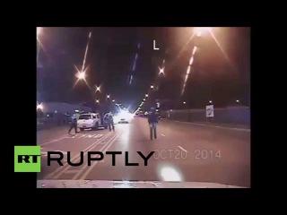 США: Кадры освобожден от полиции убийство черного подростка Лаквен Макдональд в Чикаго.