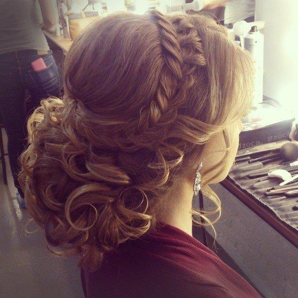 Причёски на свадьбу для девушки