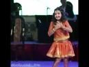 девочка поют очень красиво