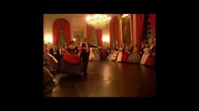Carnet de Bals : Présentation de la Danse historique.