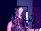 YouTube - Bleeding Love - Leona lewis (Lisa Lavie)_1