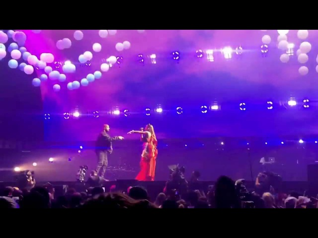 Drake ft. Rihanna - performing Too Good at OVO Fest in Toronto 2016