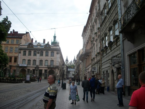 Остановка трамвая на площади Рынок №8