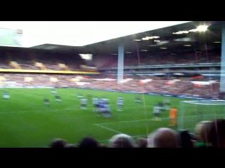 Leighton Baines Goal - Free Kick against Tottenham - With Fans Celebration (HD)