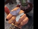 Очень красивая бабочка, как живая...