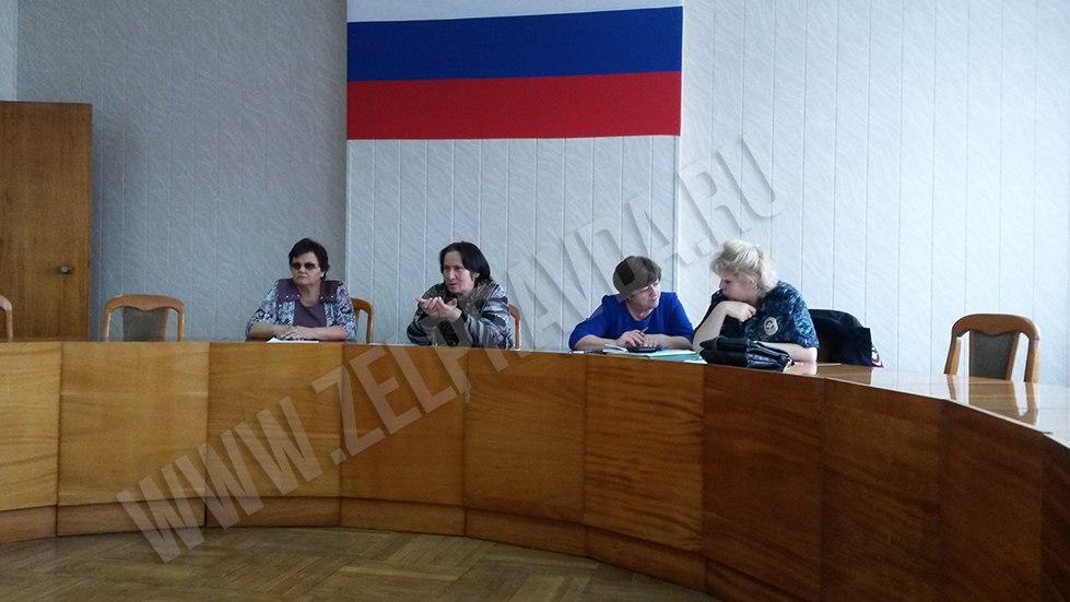 В администрации Зеленчукского района обсудили вопросы работы с проблемными подростками