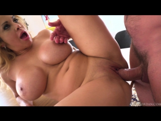 Alyssa lynn horny milf squeezes manuel's cock with her huge 32f tits until it explodes