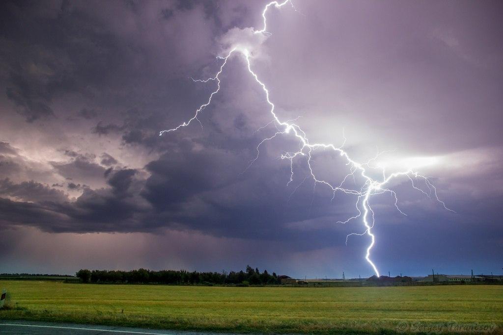 ЭКСТРЕННОЕ ПРЕДУПРЕЖДЕНИЕ МЧС: На выходных ожидаются ливни, гроза, град и ветер до 24 м/с