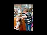 День для мам под музыку Детские песни - Песня про бабушку и маму на 8 марта(минус). Picrolla
