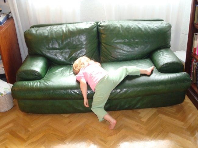 d4FvgrHlnTA - 20 Доказательств того, что ребенок может заснуть независимо от времени и места