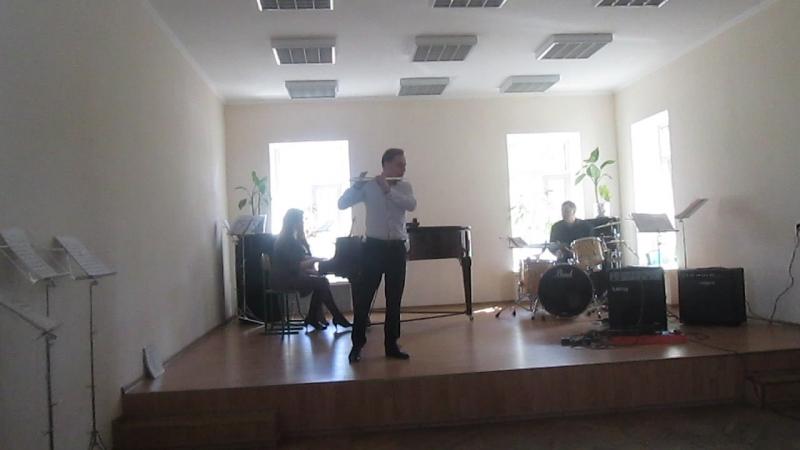 Флейта-С.Рочев,концертмейстер-П.Кириченко,ударные-В.Гольцов.К.Боллинг,сюита для флейты,ч.2(19.04.2016)