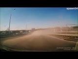 В России 2 беды:дураки и дороги.