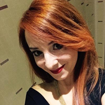 Яна Охотникова
