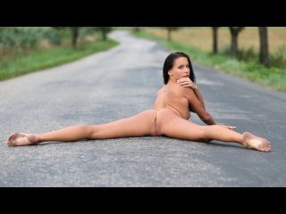 Nude girl in the nature - W4B