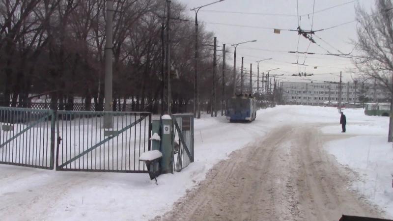 Въезд троллейбуса ЗИУ 682 в депо №3 г Тольятти