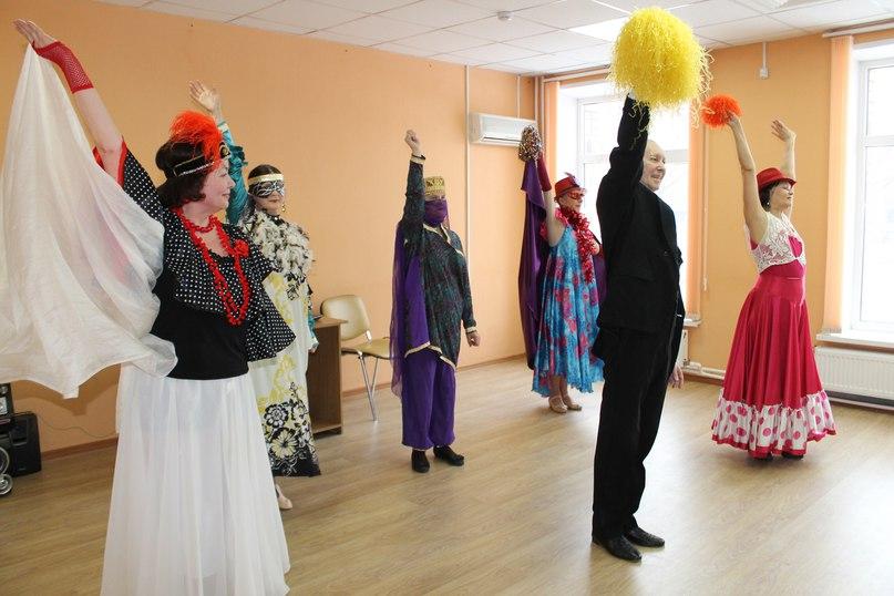 Танцевально-развлекательная программа «Н.Н.ШОУ-МАСКИ» прошла в Отрадном