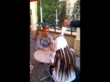 Жiгiтiн алдап баска жiгiтпен журген кыз