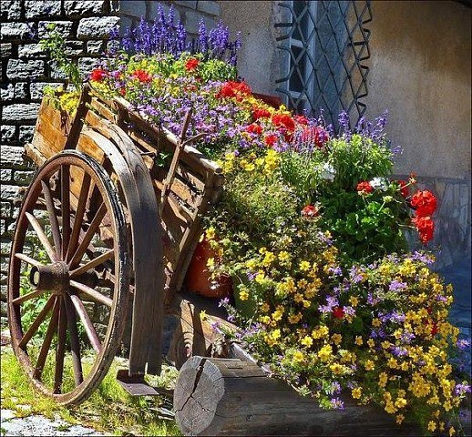 Красивая идея для сада своими руками