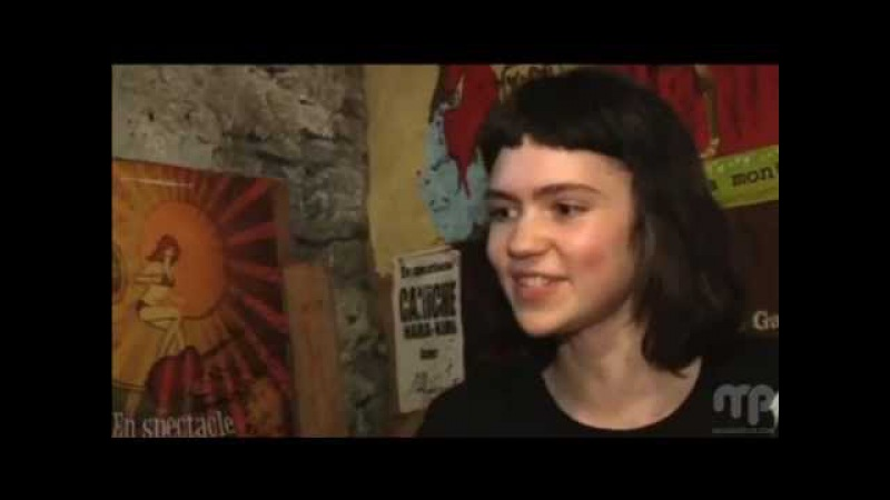 Grimes on Sur Le Vif, interviewed by Fanny Lefort ('oldish')