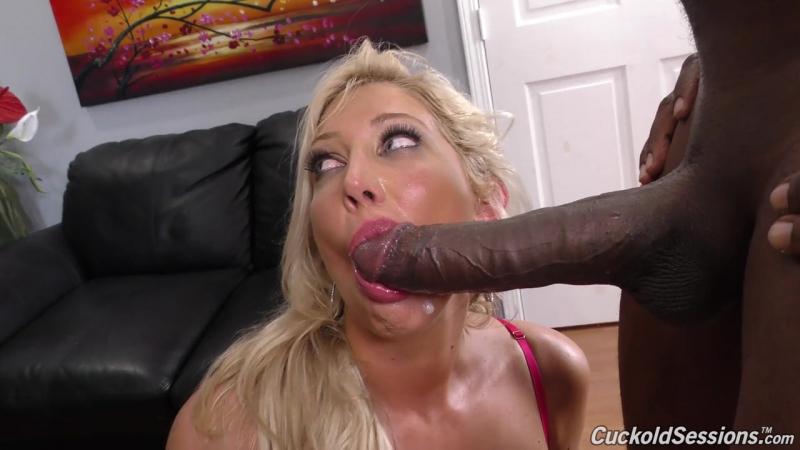 Мужик смотрит как его телку пердолит негр [All sex, Anal, Blonde, Cuckold, Big cock, HD, 2016, Interracial, Блондинка]