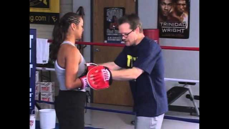 Freddie Roach teaching boxing basics - Manny Pacquiaos trainer talks footwork, punching, padwork