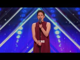 16-летняя девушка спела так, что попала прямиком в финал Шоу Талантов