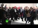 Реакция охраны Путина на голых дур