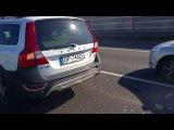 Volvo XC70 vs. Fiat Seicento