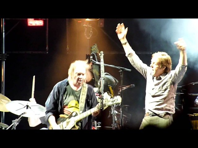 Neil Young Paul McCartney A Day In The Life New Sound Live From Hyde Park 27th June 2009