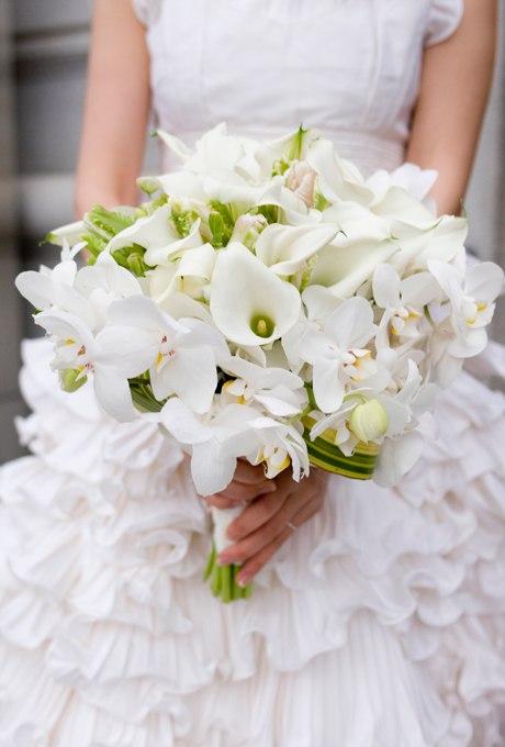 pwDpCNukl4Q - 25 Белоснежных свадебных букетов