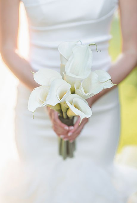 pxplPcMfcOY - 25 Белоснежных свадебных букетов