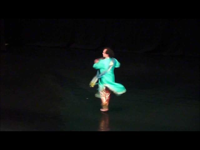 Классический индийский танец в стиле катхак Тарана исполняет Сергей Журавлёв