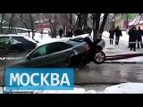 Коммунальщики разорвали машину, вытаскивая ее из лужи в Жуковском