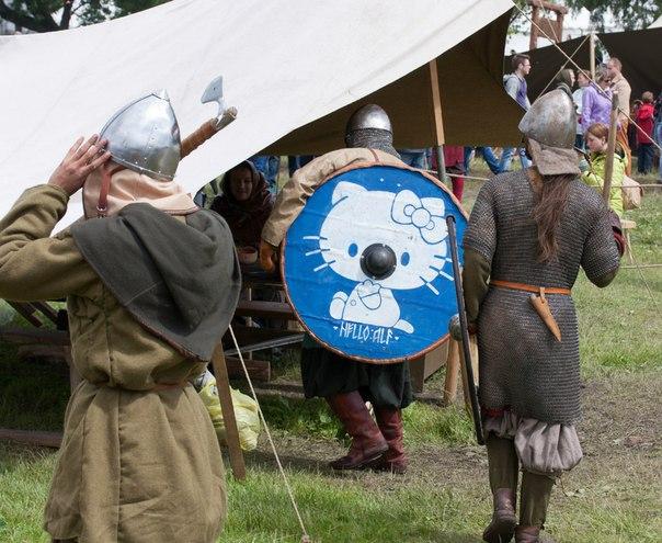 Enfin de la reconstitution viking historiquement sérieuse AQOtuSTkrx8