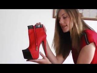 Danielas FashionCheck #034: Stiefeletten (Ankle-Boots, High-Heel/Plateau), Strümpfe (Stockings)