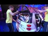 20 девушек в автомобиле Smart