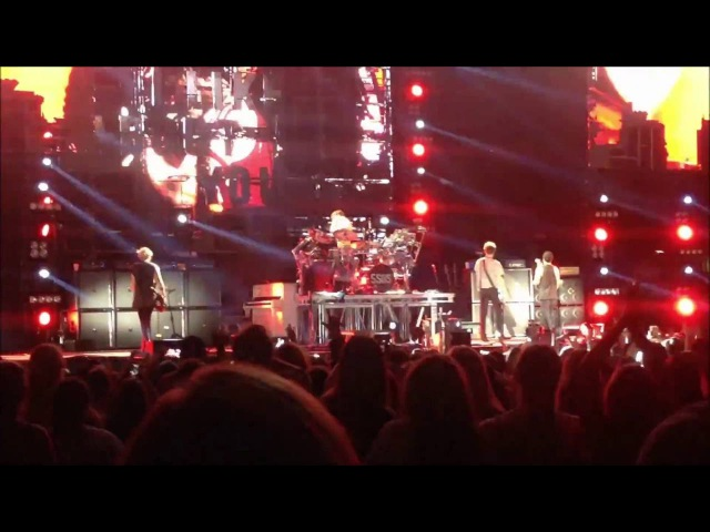 5 Seconds of Summer at Darien Lake on 7/6/16 - Part 10 - Permanent Vacation - What I Like About You