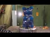 Желейные мишки против гидравлического пресса