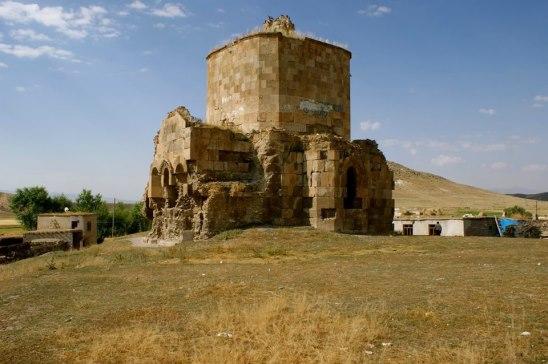 Церковь Св. Эчмиадзина (Зорадир, Васпуракан, Западная Армения)