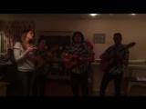 Трое кубинцев и Люси исполнили песню Besame Mucho