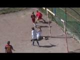 Очень позитивное футбольное видео, на котором известный комментатор Георгий Черданцев комментирует дворовой матч в футбол (Not V