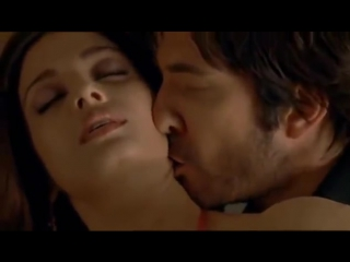 Aishwarya rai hot bed scene