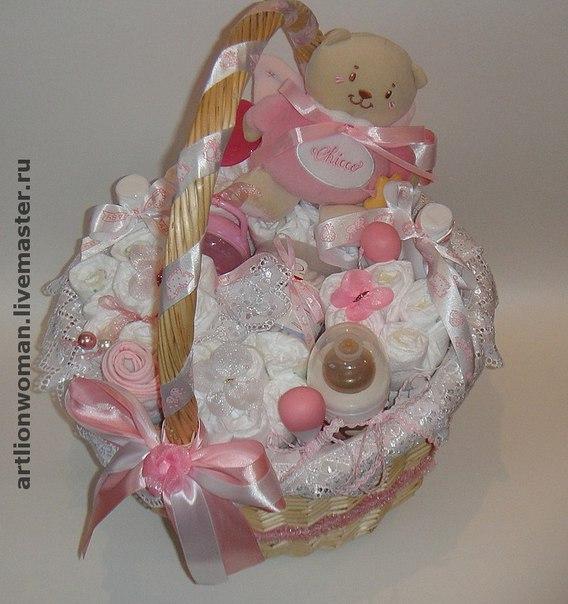 Подарок новорожденному своими руками в корзине