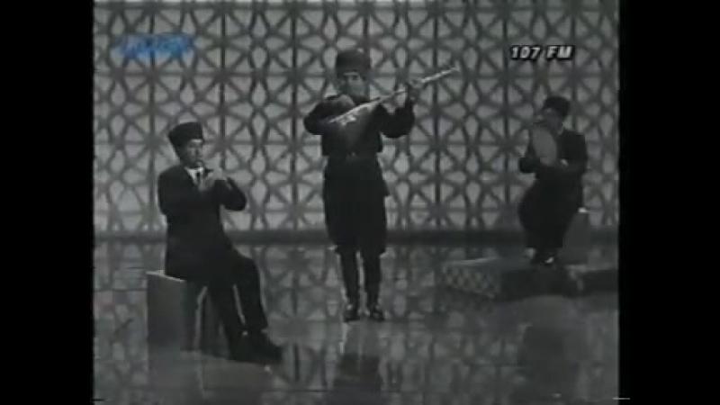 Ashiq Panah Shirvan havalari saz qopuz azeri musci - YouTube