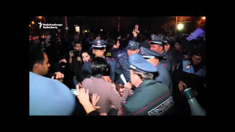 Жыхары Ерэвану пратэстуюць супраць паставак расейскай зброі Азэрбайджану <РадыёСвабода>
