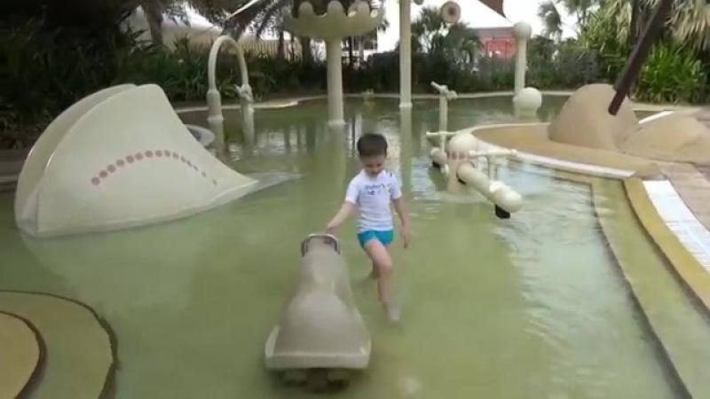 Макс в Дубаи День 1 на пляже и в бассейне подарочки от отеля Dubai 1 st Day in Burj Al Arab Hotel