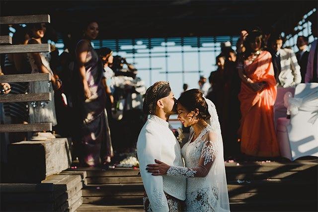 TrDldOAu42c - Обычаи Индонезийской свадьбы
